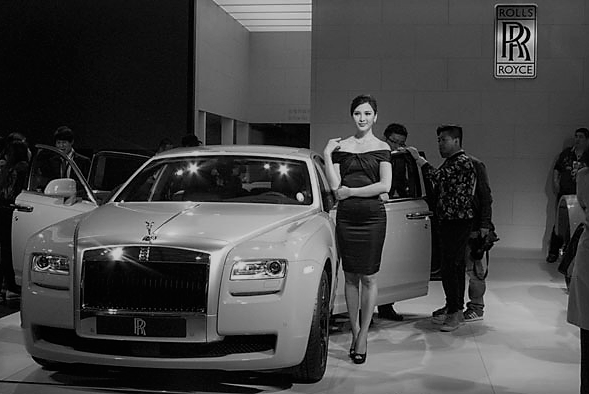 5 Chinese Stocks Into Luxury Auto Retail