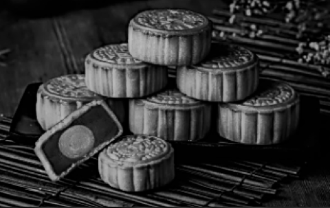 5 Chinese Stocks Into Mooncakes